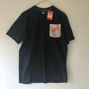 Nike Pocket T-shirt